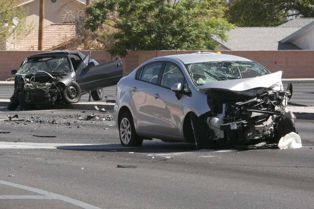 Las Vegas Car Accident >> Fatal Crash Closes Alta Buffalo Intersection Las Vegas Review Journal