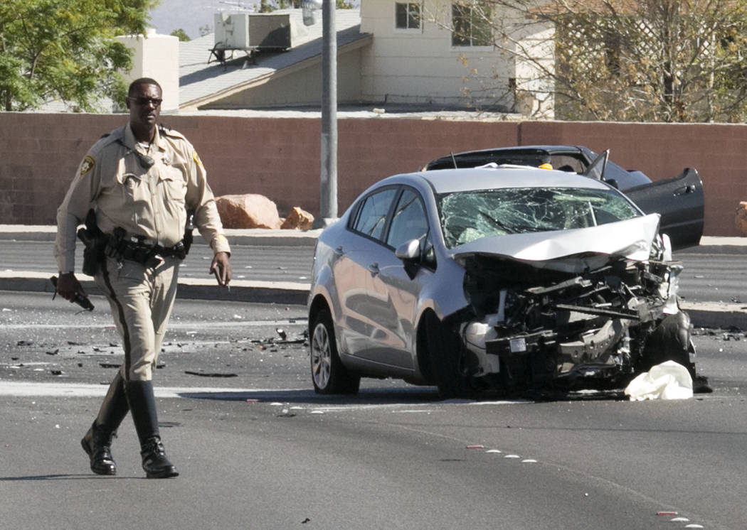 fatal crash closes alta buffalo intersection las vegas review journal. Black Bedroom Furniture Sets. Home Design Ideas