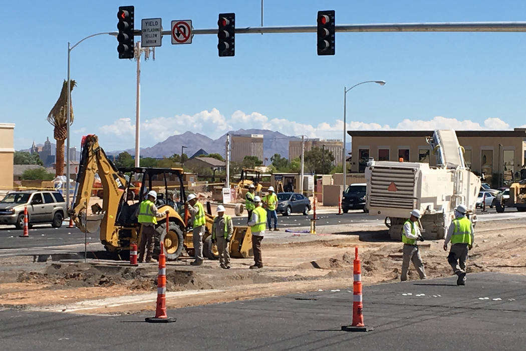 Authorities responded to reports of a possible gas line break at South Jones and West Sunset Road just before 11 a.m. on Tuesday, August 22, 2017. Bizuayehu Tesfaye Las Vegas Review-Journal