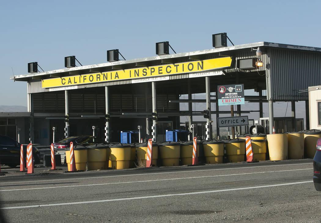 The California agricultural inspection station Friday, Aug. 25, 2017, on Interstate 15 in Yermo. (Bizuayehu Tesfaye/Las Vegas Review-Journal) @bizutesfaye
