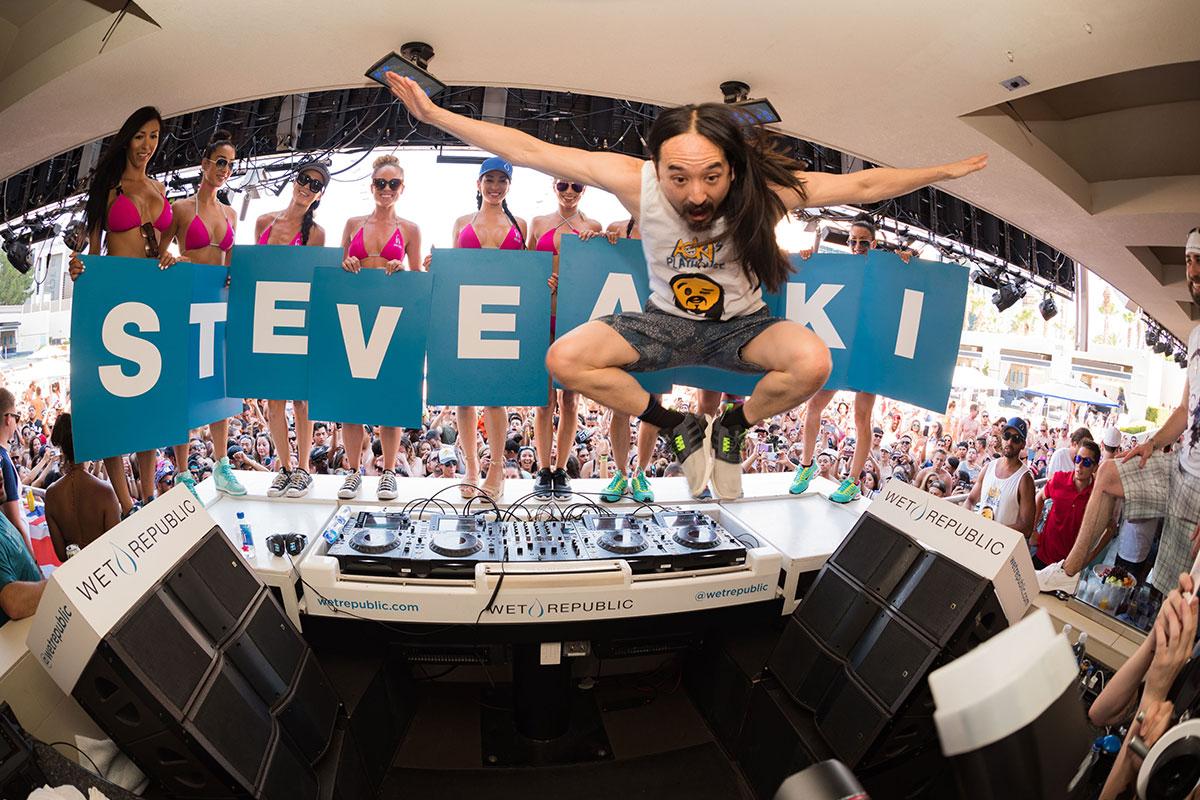 Steve Aoki at Wet Republic | Photo: Al Powers