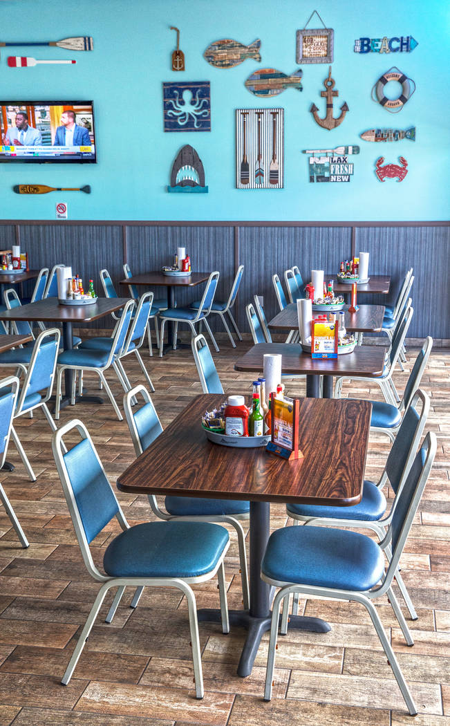 The dinning room at Fish King Grill on Thursday, Aug 24, 2017, in Las Vegas. Benjamin Hager Las Vegas Review-Journal @benjaminhphoto