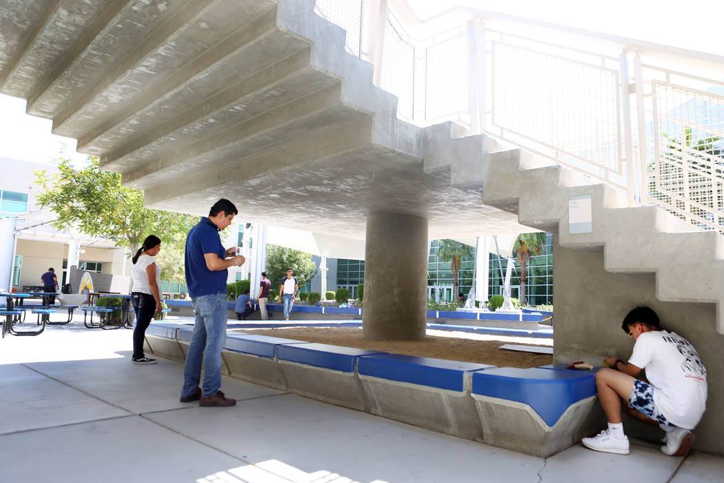 Students paint the quad as part of the construction program class at East Career and Technical Academy in Las Vegas, Monday, Aug. 28, 2017. Elizabeth Brumley Las Vegas Review-Journal