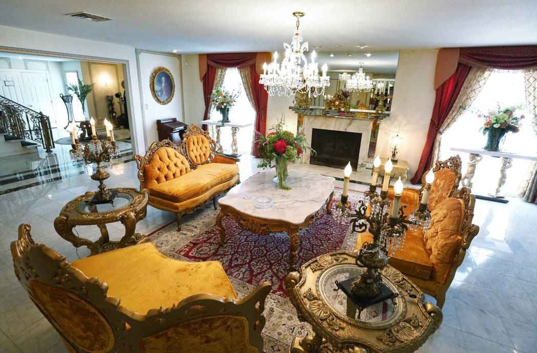 The living room of the Liberace Mansion on Monday, Aug 28, 2017, in Las Vegas. Benjamin Hager Las Vegas Review-Journal @benjaminhphoto