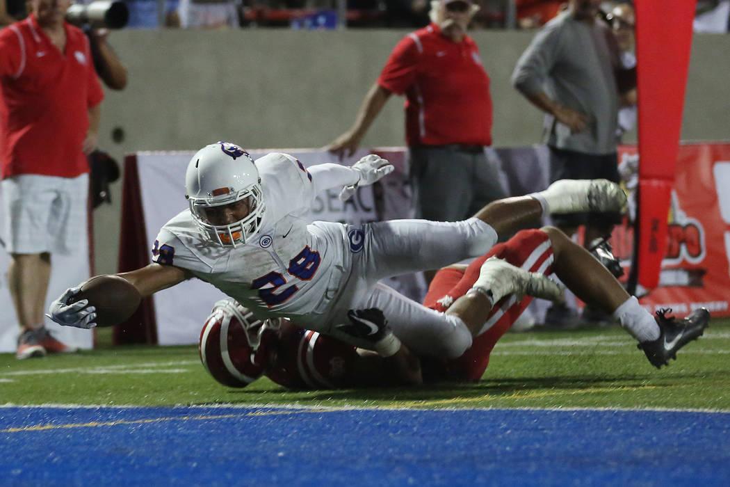 Bishop Gorman player Amod Cianelli (28) makes a touchdown during their game against Mater Dei at Santa Ana Stadium on Friday, Sept. 1, 2017 in Santa Ana, California. Bishop Gorman lost 35-21. Brid ...