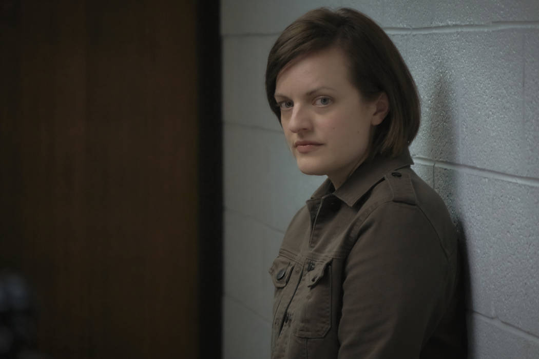 Elisabeth Moss as Detective Robin Griffin - Top Of The Lake: China Girl _ Season 2, Episode 3 - Photo Credit: Sally Bongers/See-Saw Films/SundanceTV