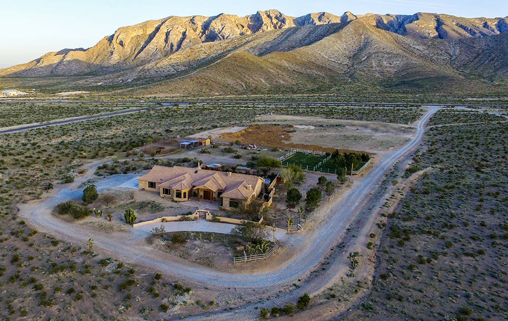 The bunkhouse has lots of views of the desert and mountains. (Windermere Prestige Properties)