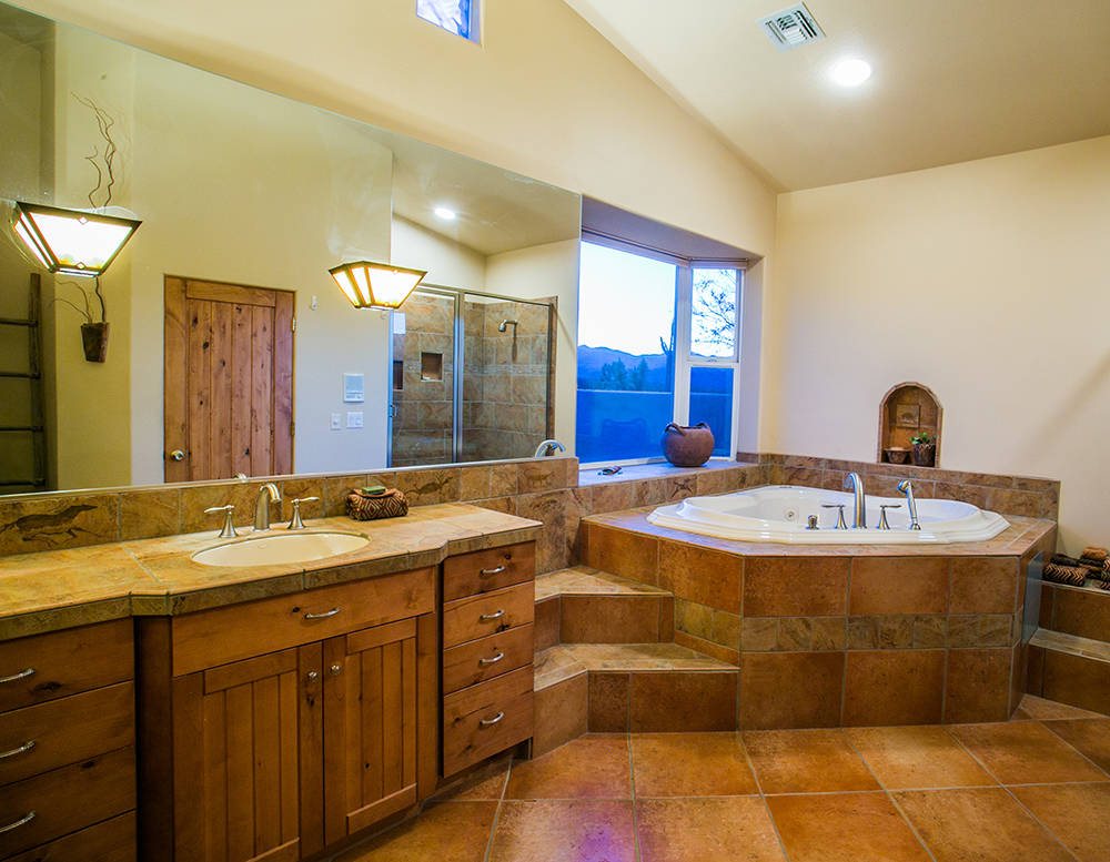 The master bath. (Windermere Prestige Properties)