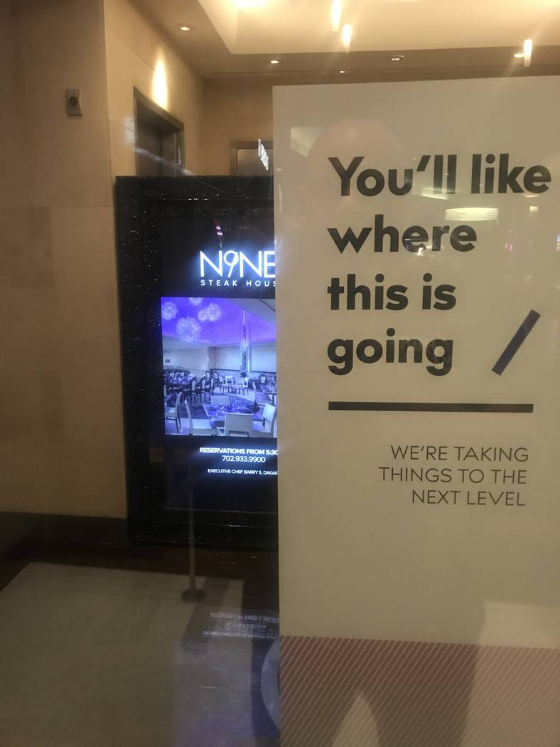 A sign at N9NE Steakhouse indicates its closure Wednesday night, (Al Mancini/Las Vegas Review-Journal)