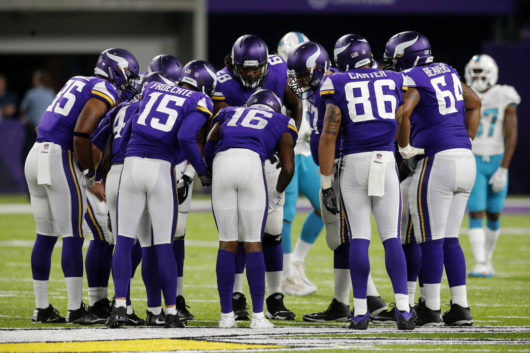 Squares, sharps square off on Monday Night Football