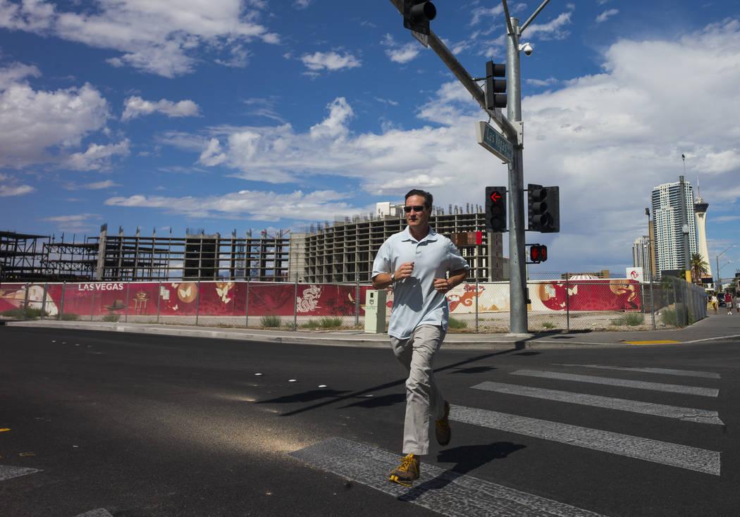 A pedestrian along the north Strip area in Las Vegas on Wednesday, Sept. 13, 2017. Chase Stevens Las Vegas Review-Journal @csstevensphoto