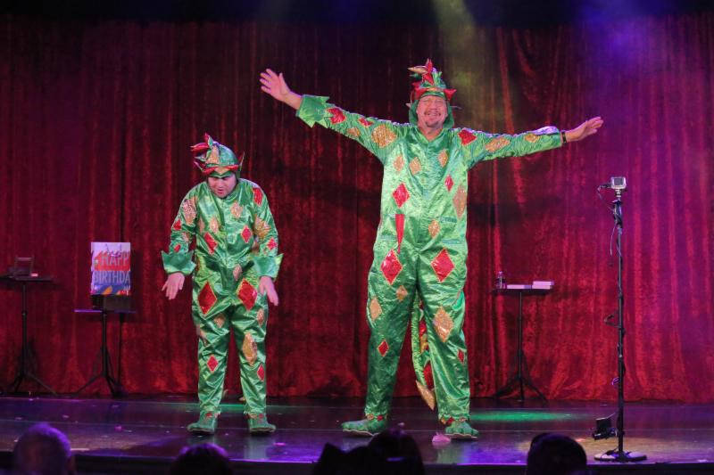 Penn Jillette joins Piff the Magic Dragon onstage at Bugsy's Cabaret at Flamingo Las Vegas on Tuesday, Sept. 12, 2017. (Edison Graff)