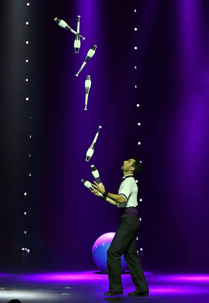 "Juggler Francois ""The Great Gaston"" Borie performs during the opening night of ""Circus 1903"" at Paris Las Vegas. (Ethan Miller/Getty Images)"