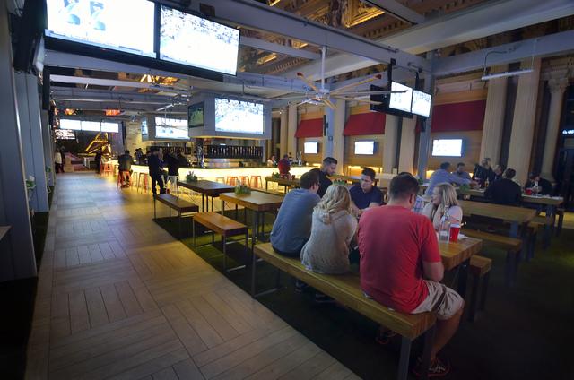 Charmant ... Best Sports Bars. Lagasseu0027s Stadium. Beer Park (Las Vegas  Review Journal)