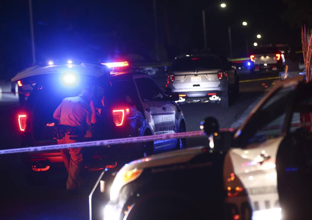 Las Vegas police investigate the scene of a shooting on Hibbetts Drive near Twain Avenue in Las Vegas on Friday, Sept. 15, 2017. Chase Stevens Las Vegas Review-Journal @csstevensphoto