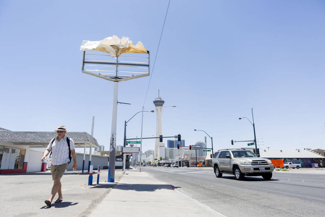 Windy downtown Las Vegas, Sunday, June 11, 2017. (Elizabeth Brumley/Las Vegas Review-Journal)
