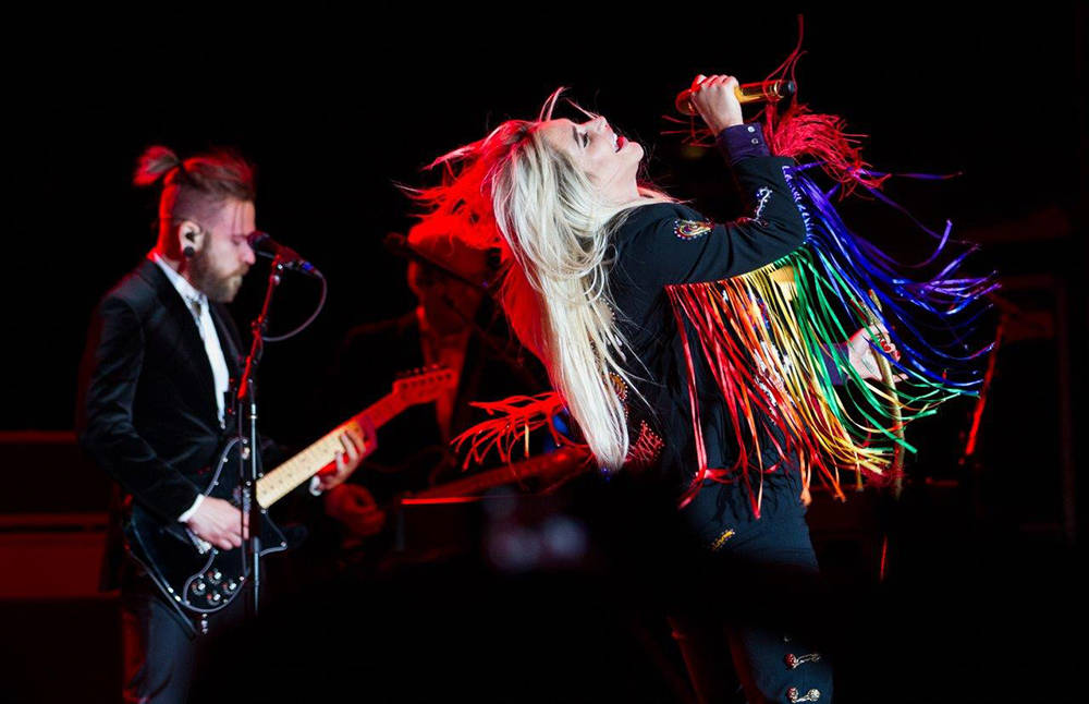 For the final performance at the M Resort's summer concert series, multiplatinum pop sensation Kesha sang to a sold-out crowd at the M pool. (Tom Donoghue)