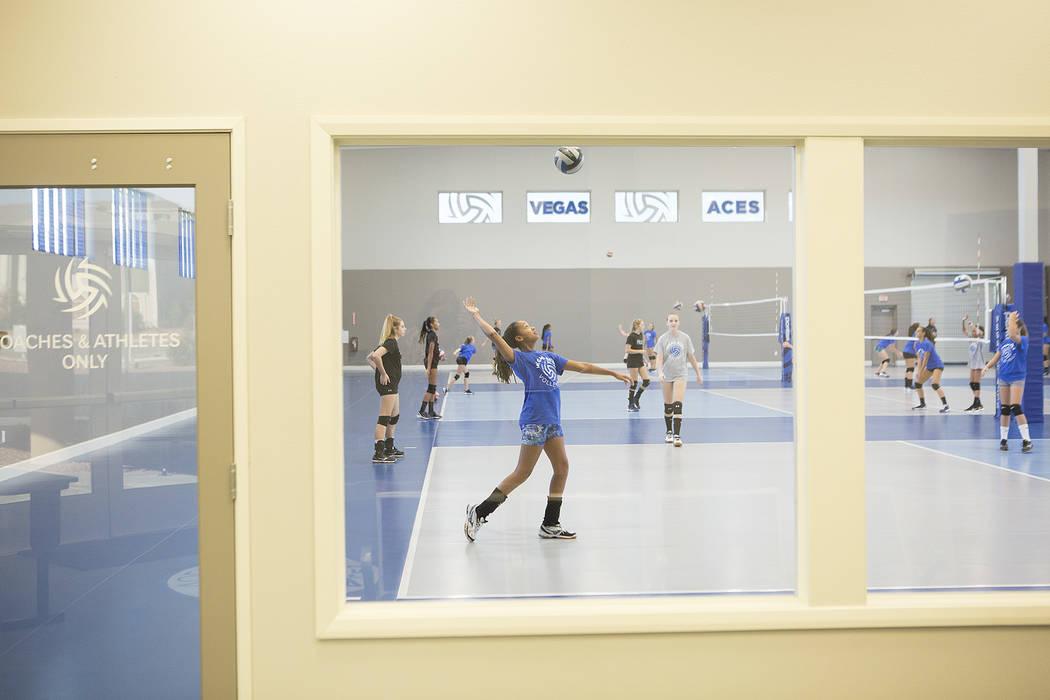 Volleyball player Aby Tibesar, center, practices at the new Vegas Aces Training Center on Friday, Sept. 22, 2017, in Henderson.  Bridget Bennett Las Vegas Review-Journal @bridgetkbennett