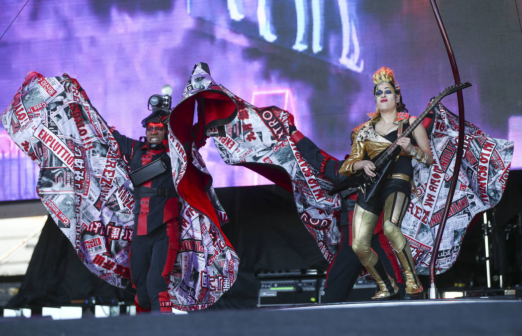 Members of Cirque du Soleil perform at the Downtown stage during the final day of the Life is Beautiful festival in downtown Las Vegas on Sunday, Sept. 24, 2017. Chase Stevens Las Vegas Review-Jou ...