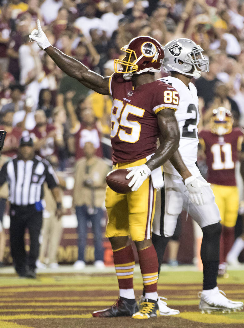 Washington Redskins tight end Vernon Davis (85) celebrates a touchdown in the first half of their game against the Oakland Raiders in Landover, Md., Sunday, Sept. 24, 2017. Heidi Fang Las Vegas Re ...