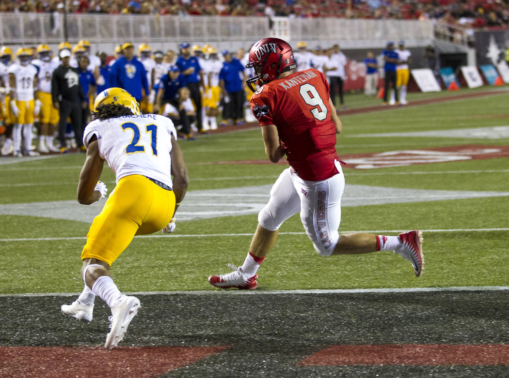 UNLV Rebels tight end Trevor Kanteman (9) runs into the end zone for a touchdown after catching pass during the second half of an NCAA college football game between the UNLV Rebels and the San Jos ...