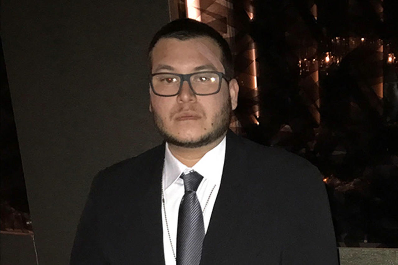 MGM paying for hotel possess for Las Vegas taking pictures look Jesus Campos thumbnail