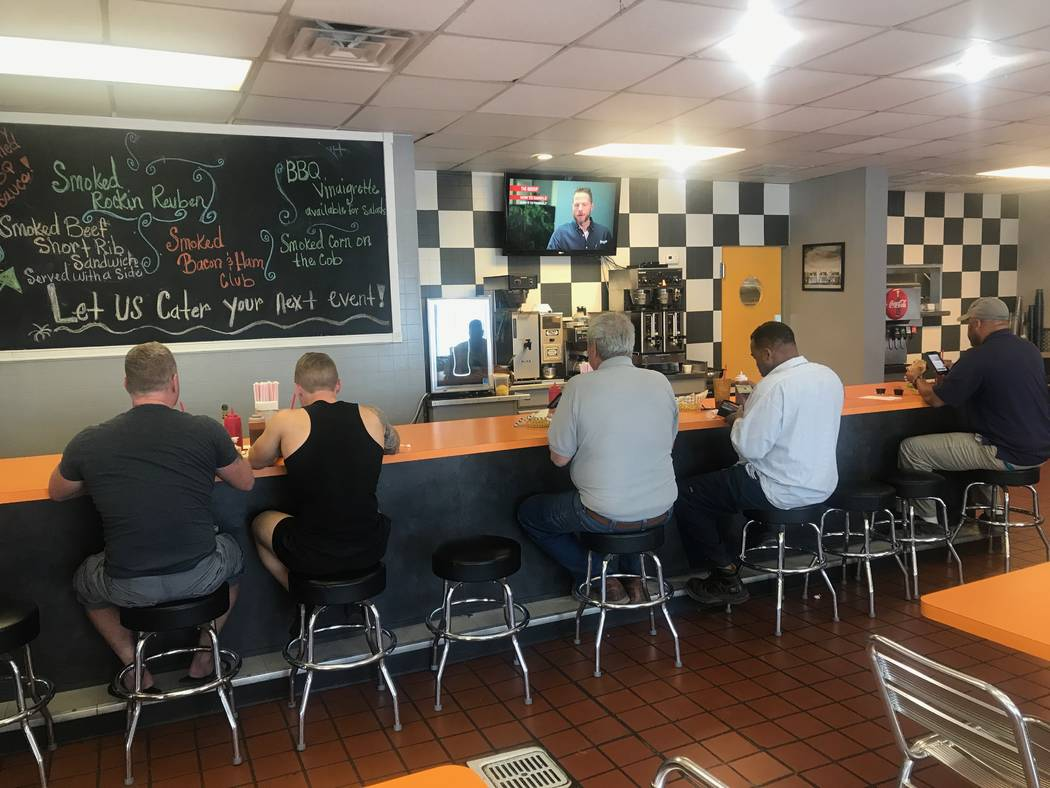 Customers eating lunch on Sept. 22, 2017 at SNS Barbeque, 1100 E. Colton Ave. (Kailyn Brown/View) @KailynHype