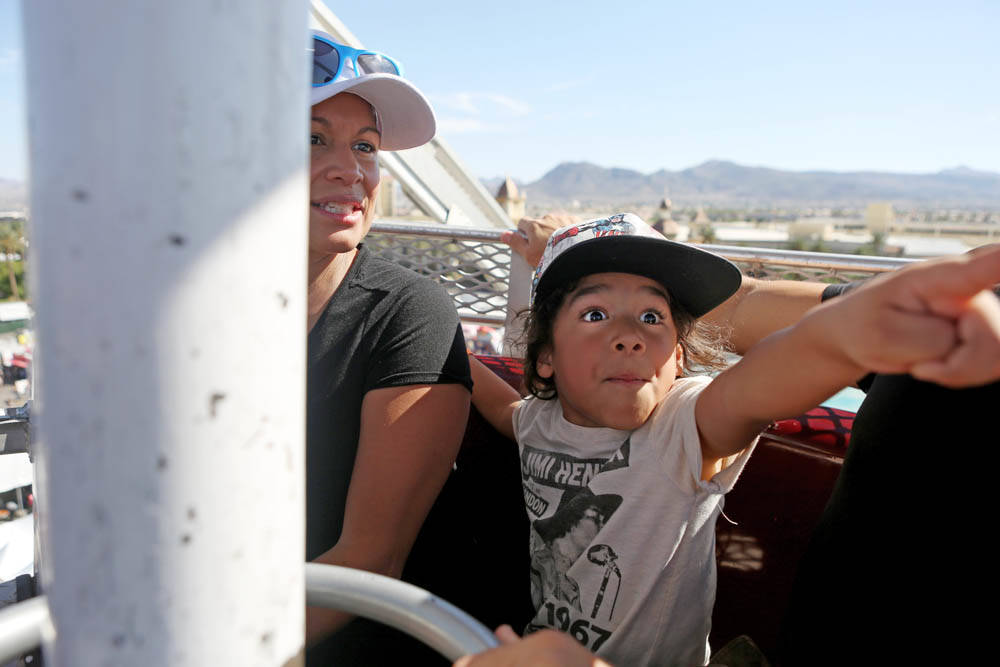 Erika Scott, left, and Kalex Scott, 6, ride the Ferris wheel at the Great American Foodie Fest at the Sunset Station in Henderson, Sunday, Oct.1, 2017. Elizabeth Brumely Las Vegas Review-Journal