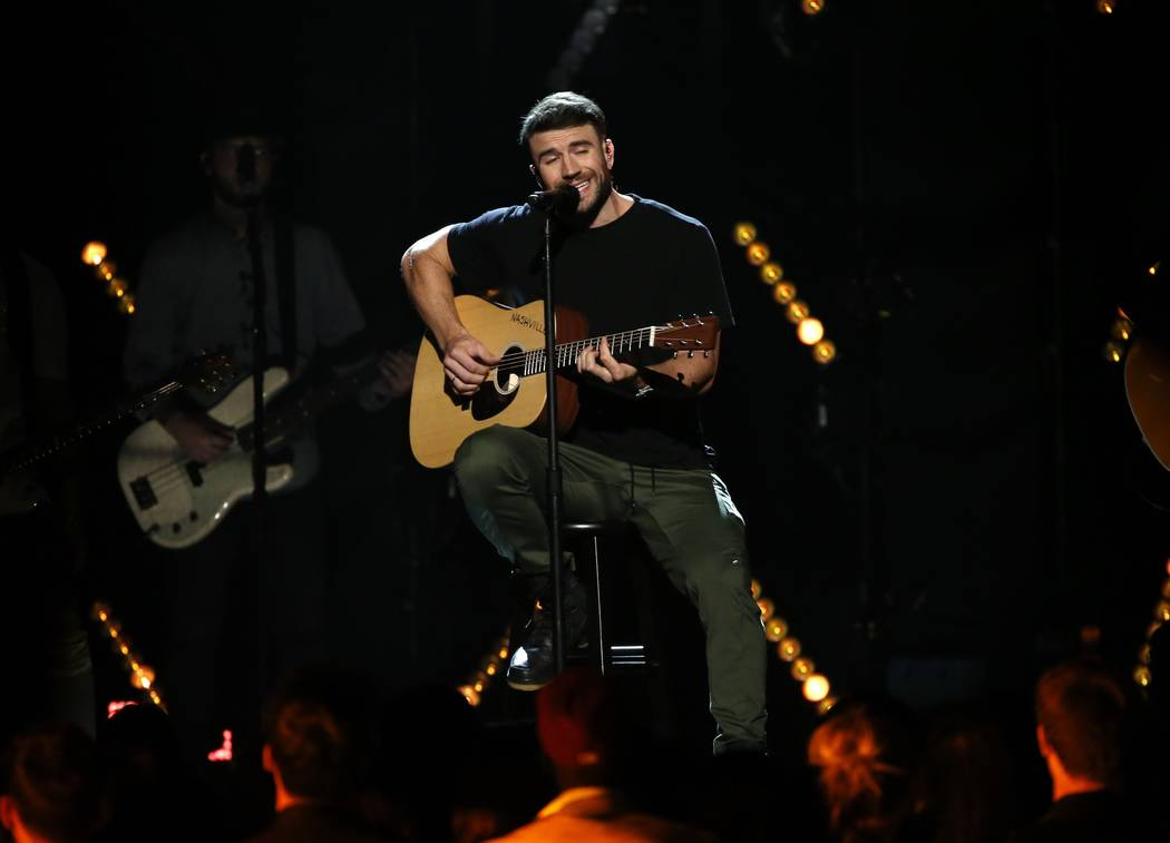 "Sam Hunt performs ""Body Like a Road"" at the 2017 Billboard Music Awards in Las Vegason May 21, 2017.  (Mario Anzuoni/Reuters)"