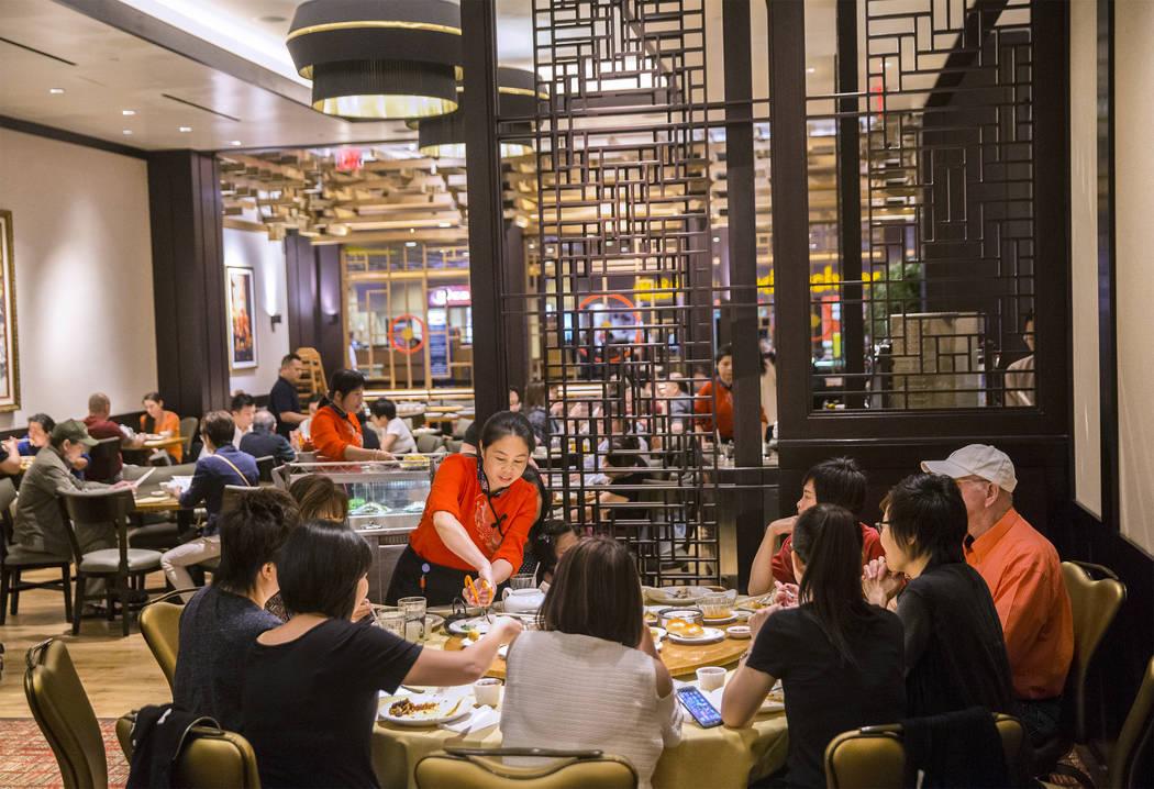 Guests enjoy dim sum at Ping Pang Pong on Wednesday, September 27, 2017, at Gold Coast hotel/casino, in Las Vegas. Benjamin Hager Las Vegas Review-Journal @benjaminhphoto