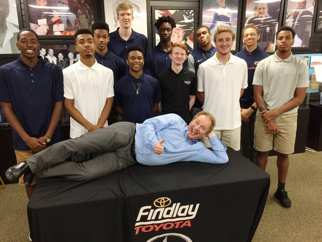 Findlay Automotive  Findlay Toyota General Manager John Barr, foreground, is pictured with the Findlay Prep basketball team at the dealership's Southern Nevada Sports Hall of Fame at 7733 Eastga ...