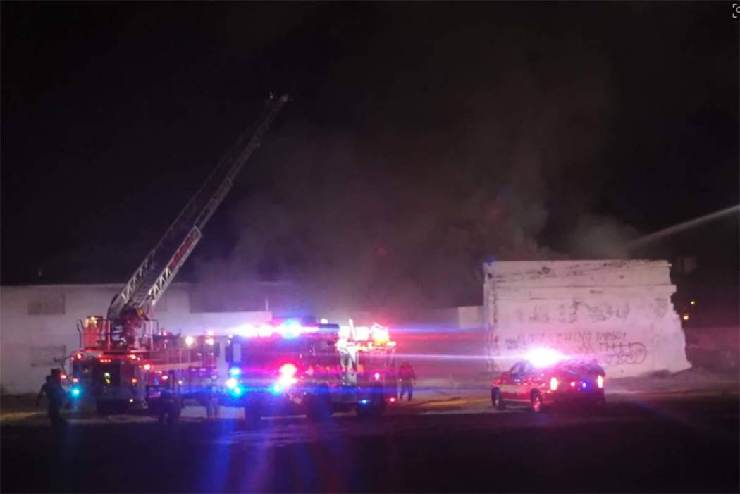 Las Vegas firefighters are battling a two-alarm blaze at vacant apartments at 900 W. Bonanza Road where the Moulin Rouge used to be located, Thursday, Oct. 5, 2017. (Max MIchor/Las Vegas Review-Jo ...