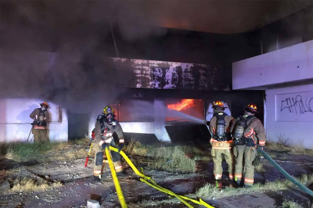 Las Vegas firefighters are battling a two-alarm blaze at vacant apartments at 900 W. Bonanza Road where the Moulin Rouge used to be located, Thursday, Oct. 5, 2017. (Twitter/Las Vegas Fire Department)