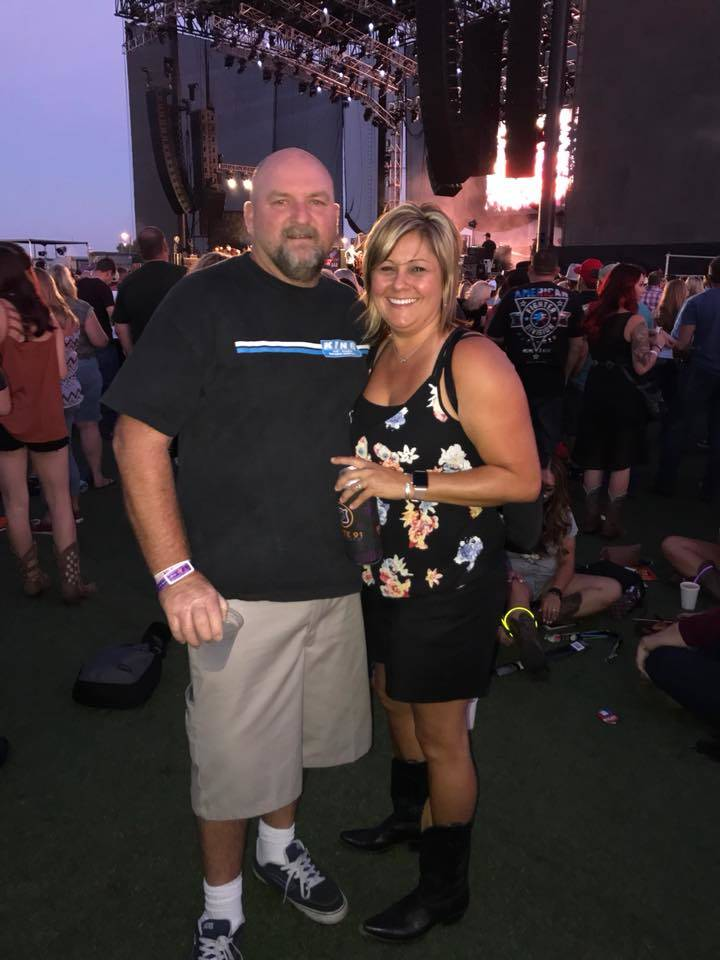 Doug Cotter, left, with his wife, Cherise. (GoFundMe)