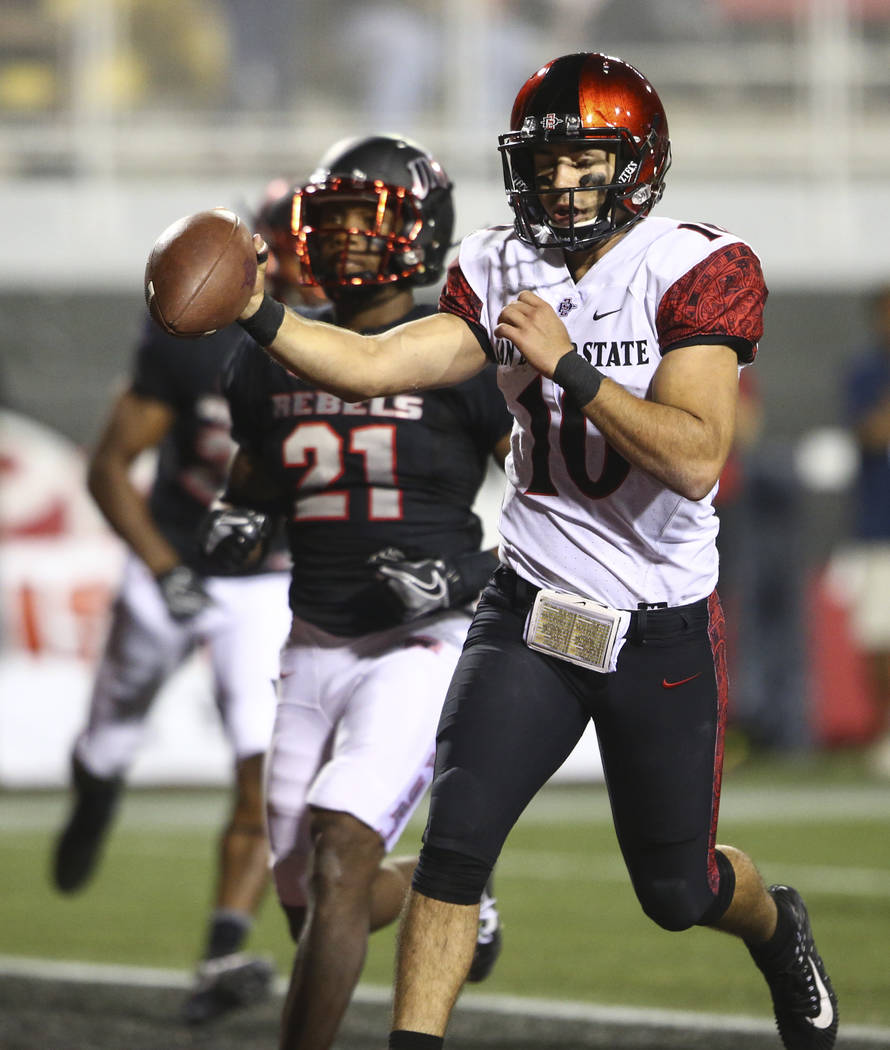 San Diego State's Christian Chapman (10) scores a touchdown against UNLV during a football game at Sam Boyd Stadium in Las Vegas on Saturday, Oct. 7, 2017. Chase Stevens Las Vegas Review-Journal @ ...