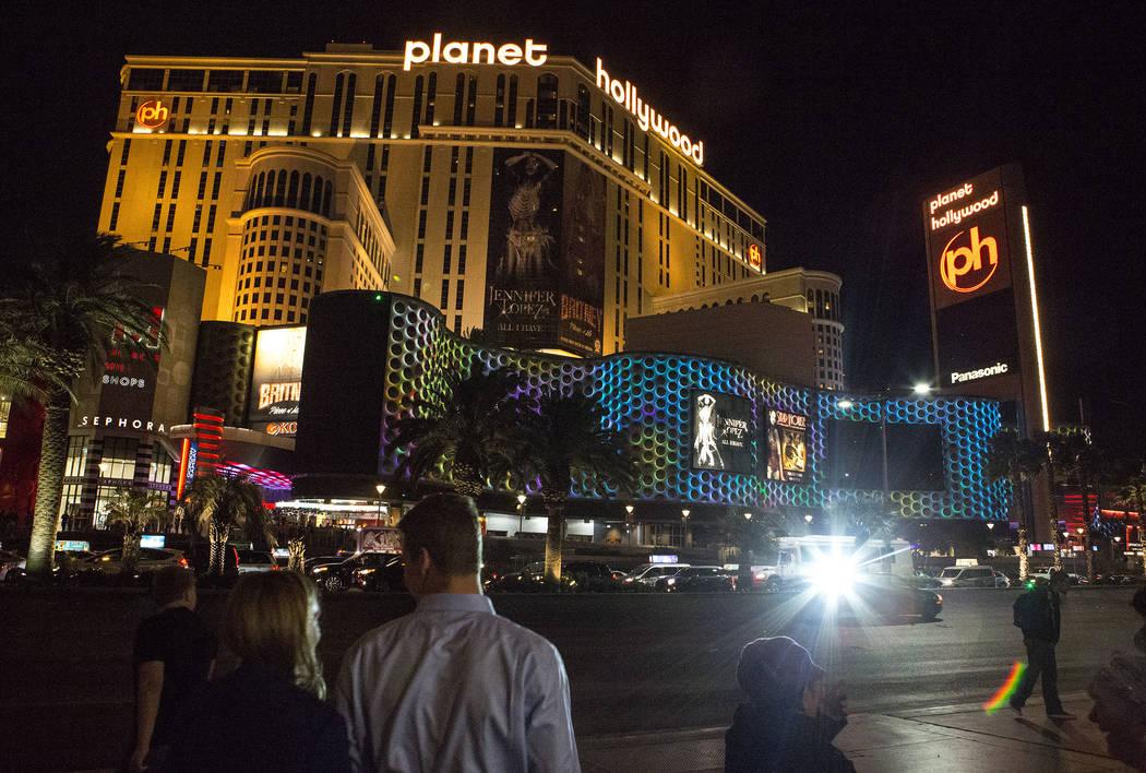 Marquees on the Strip go dark one week after the Oct. 1, 2017 mass shooting in Las Vegas, Sunday, Oct. 8, 2017. Bridget Bennett Las Vegas Review-Journal @BridgetKBennett