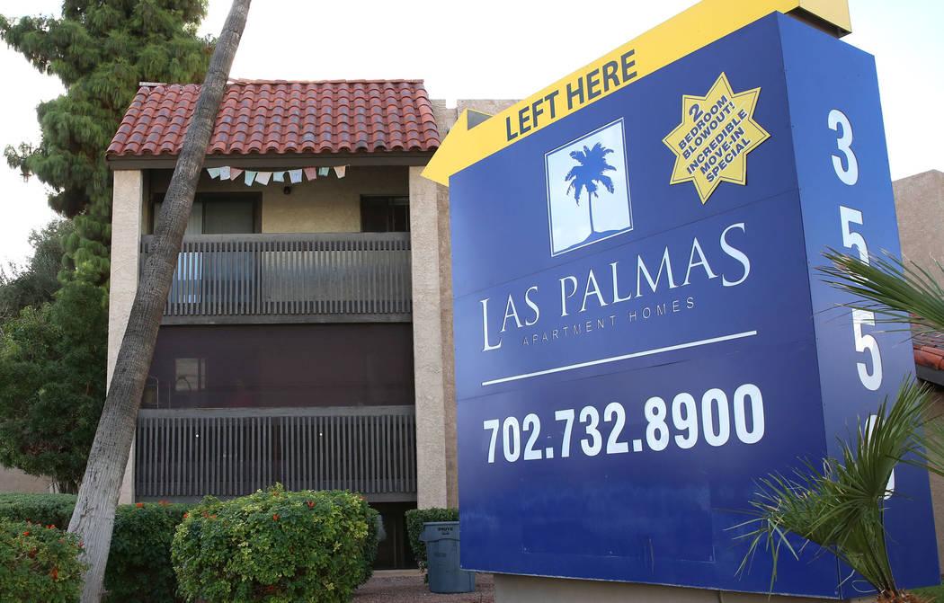 Las Palmas, an off-Strip apartment complex, at 3550 Paradise Road on Wednesday Oct. 11, 2017, in Las Vegas. Bizuayehu Tesfaye Las Vegas Review-Journal @bizutesfaye