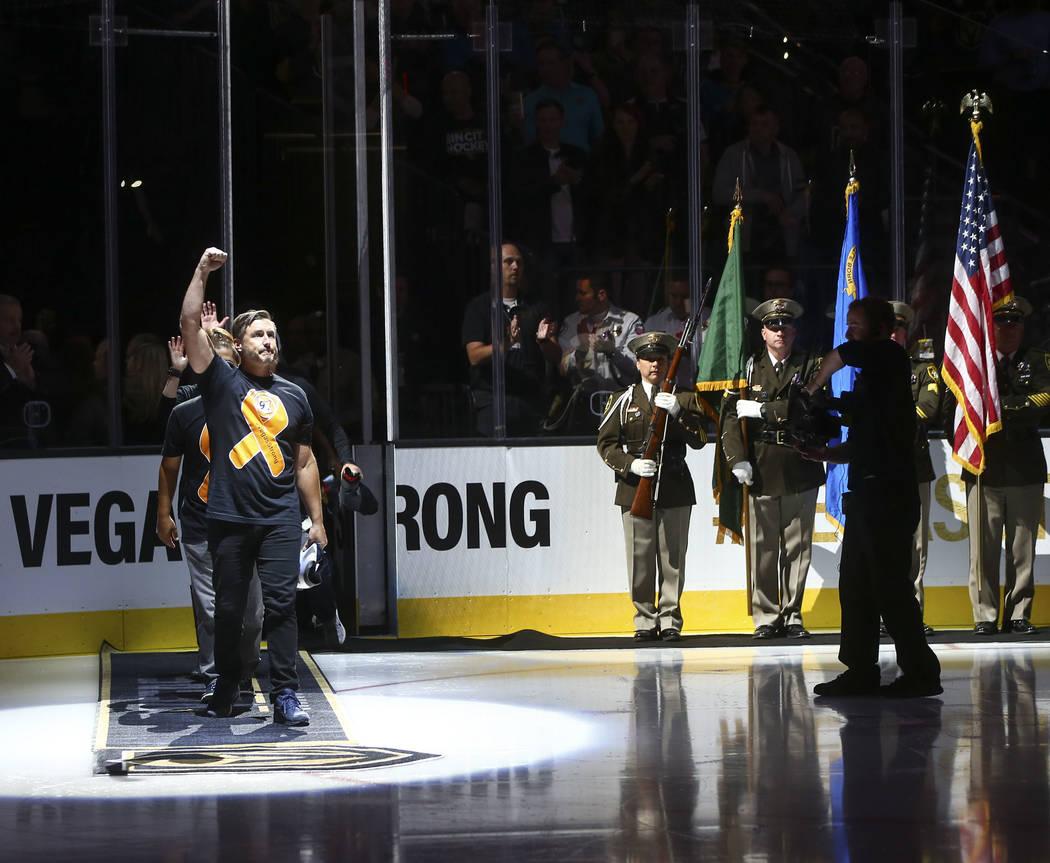 Salutes Symbols As Las Vegas Honors Fallen Day In Photos Las