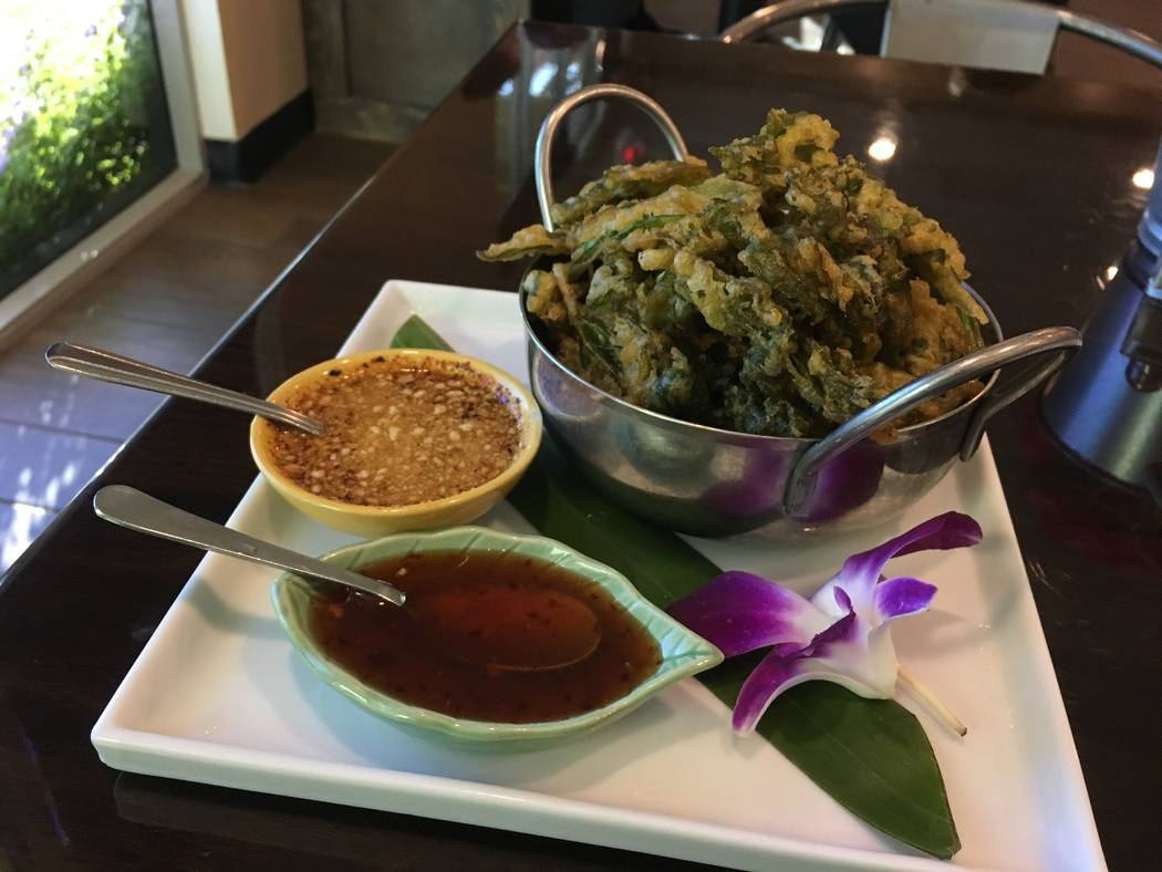 Thailicious' crispy spinach is served alongside a sweet dipping sauce, and another spicy sauce on Oct. 10. (Diego Mendoza-Moyers/View) @dmendozamoyers