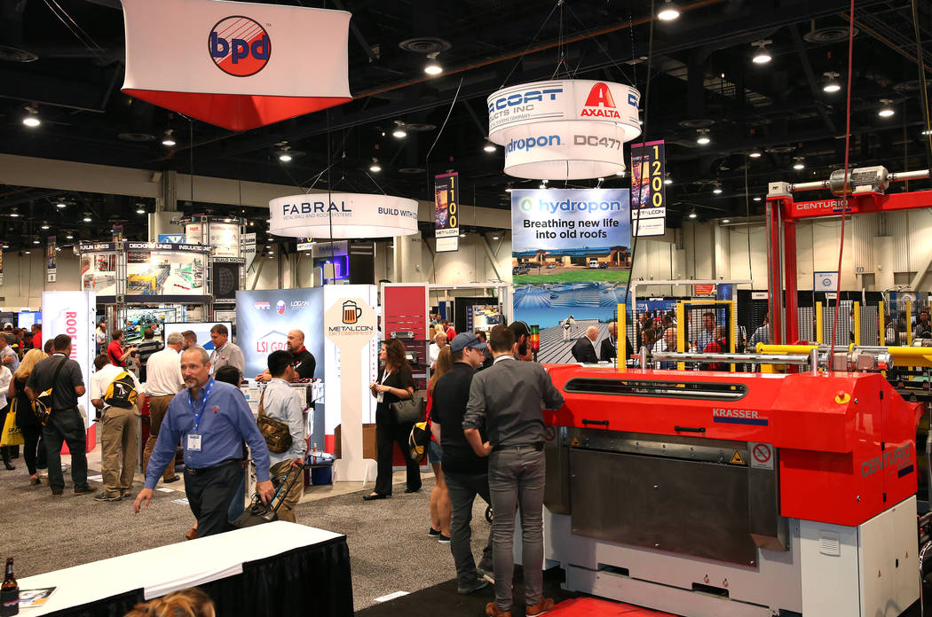 Expogoers check out heavy equipments at the Las Vegas Convention Center during the 2017 MetalCon Expo Wednesday, Oct. 18, 2017. Bizuayehu Tesfaye Las Vegas Review-Journal @bizutesfaye