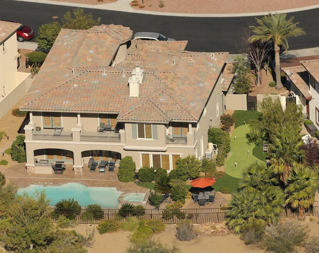 An view of the Red Rock Country Club estate where O.J. Simpson reportedly resides, as it has appeared on the celeb website TMZ. (TMZ)