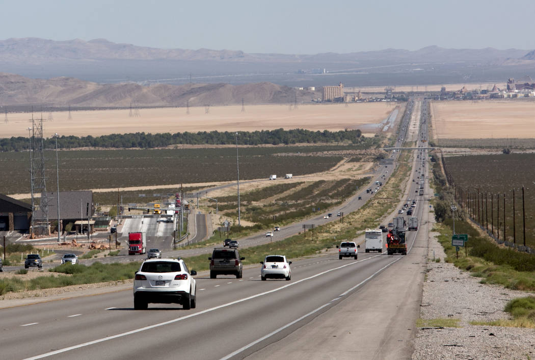 Traffic is seen on Interstate 15 in Southern California, about seven miles south of Primm, in August. (Bizuayehu Tesfaye/Las Vegas Review-Journal)