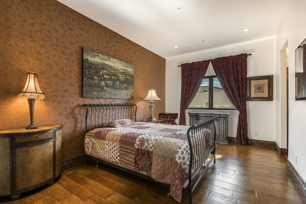 A guest bedroom. (Team Carver, Berkshire Hathaway Home Services)