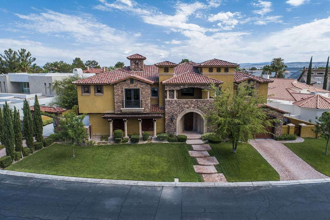 The Lakes Estates at 2812 Coast Line Court is listed for $5.3 million. (Team Carver, Berkshire Hathaway Home Services)