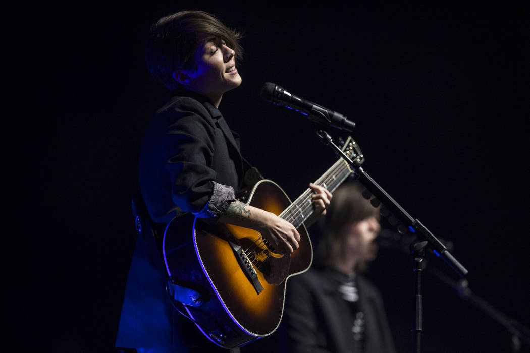 Tegan and Sara perform at The Pearl Concert Theater on Saturday, October 21, 2017, at The Palms hotel-casino, in Las Vegas. Benjamin Hager Las Vegas Review-Journal @benjaminhphoto