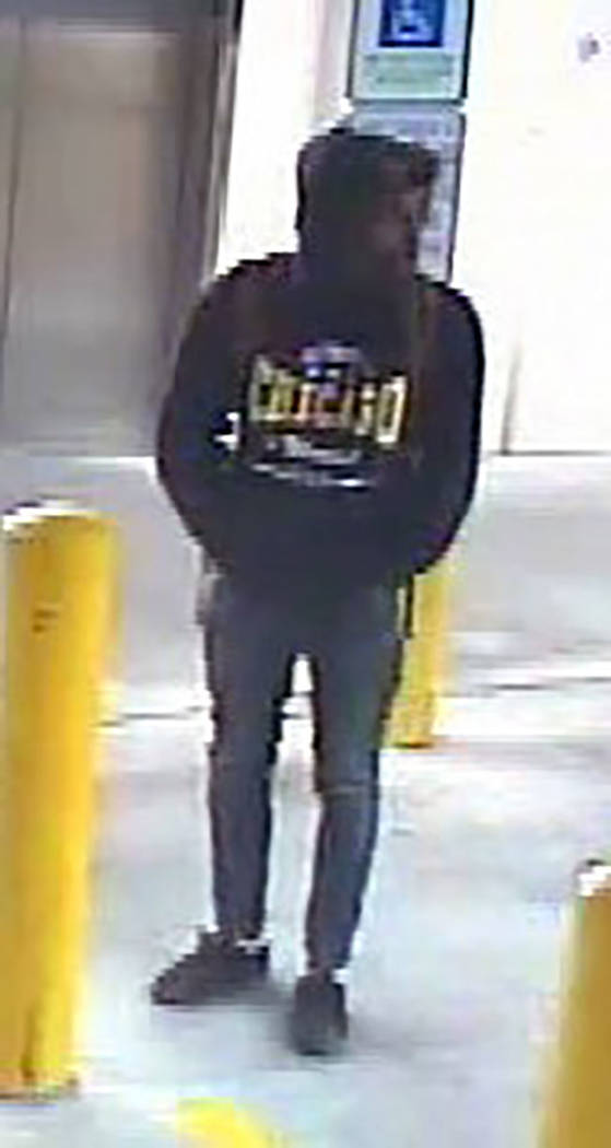 Surveillance photo of suspect (Las Vegas Metropolitan Police Department)