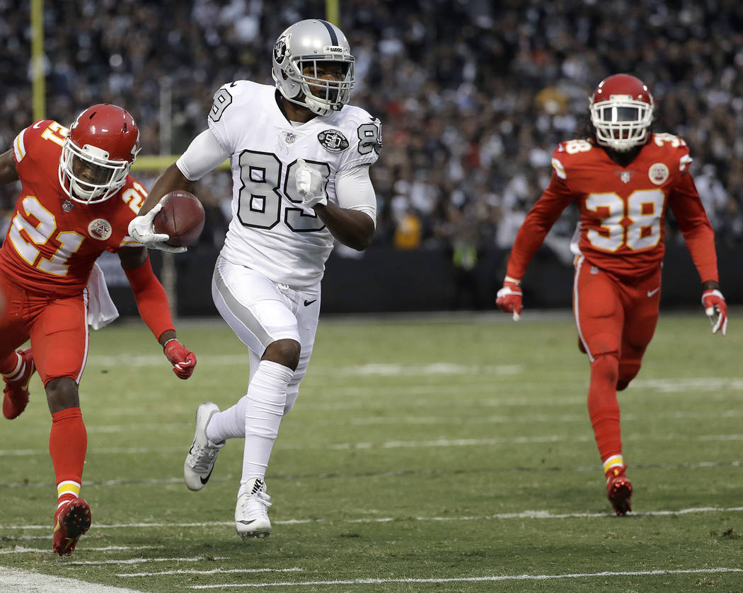 Chiefs CB Marcus Peters teases Raiders fans about Las Vegas move