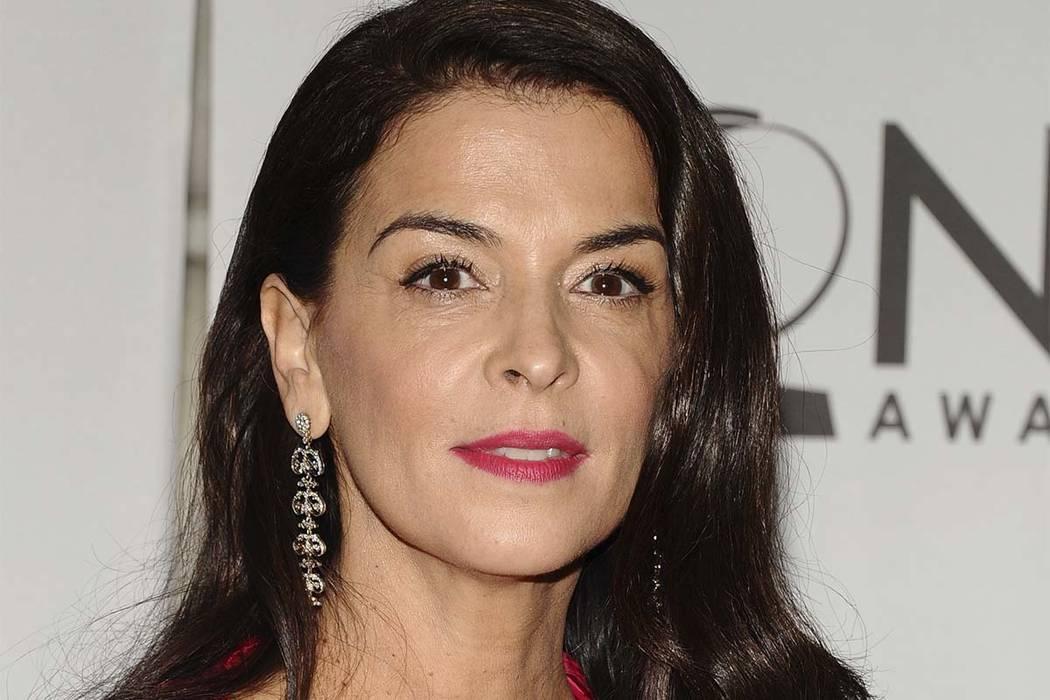 Annabella Sciorra says Harvey Weinstein raped her | Las ...