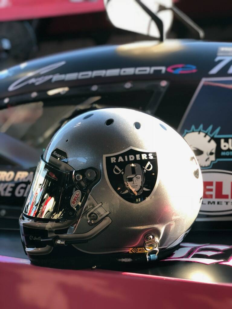NHRA Funny Car driver Cruz Pedregon had his racing helmet painted like those worn by the NFL's Raiders. (Courtesy: John Procida)