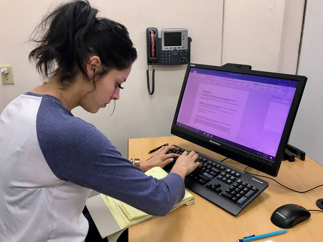 Karen Ortega works on crafting a piece for the Coyote Student News website from quotes and research that her and her classmates completed during an in-class assignment. (Madelyn Reese/View) @Madel ...